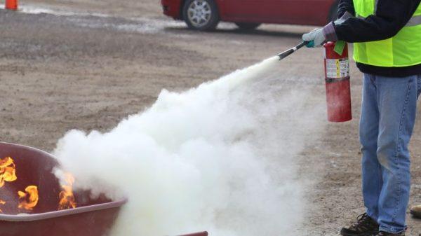 Refill APAR luqid gas - refill apar liquid gas - isi ulang gas apar